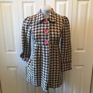 3 Sisters Brown Cream Houndstooth Coat Pink Button